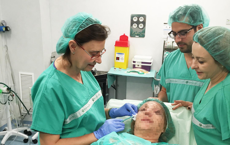 Dra-Cristina-Villanueva-en-el-Master-de-tecnicas-avanzadas-en-Valencia