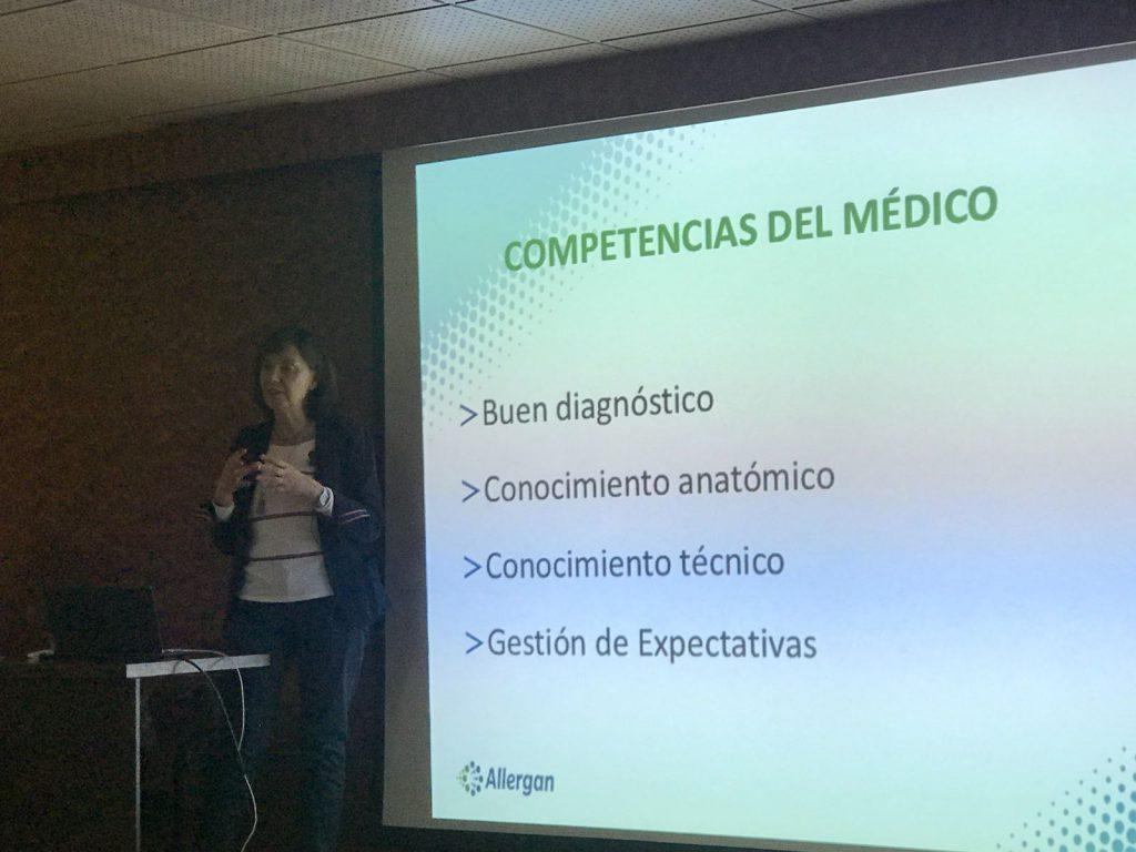 La Dra. Villanueva durante la presentación - Tenerife 2018
